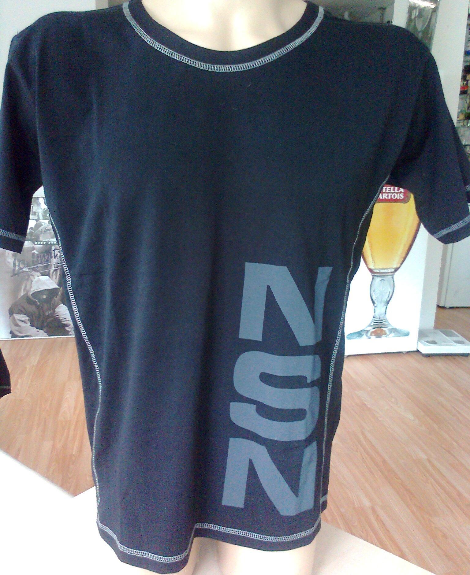 тениска черна